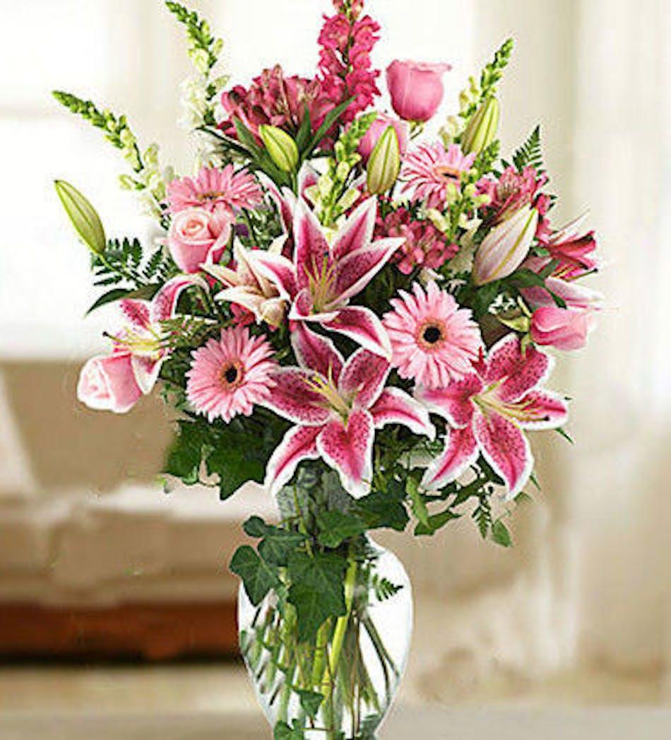 Lush Pinks: Lilies, Roses, Holland Gerbera