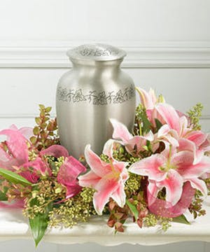 Lily Urn Tabletop Wreath