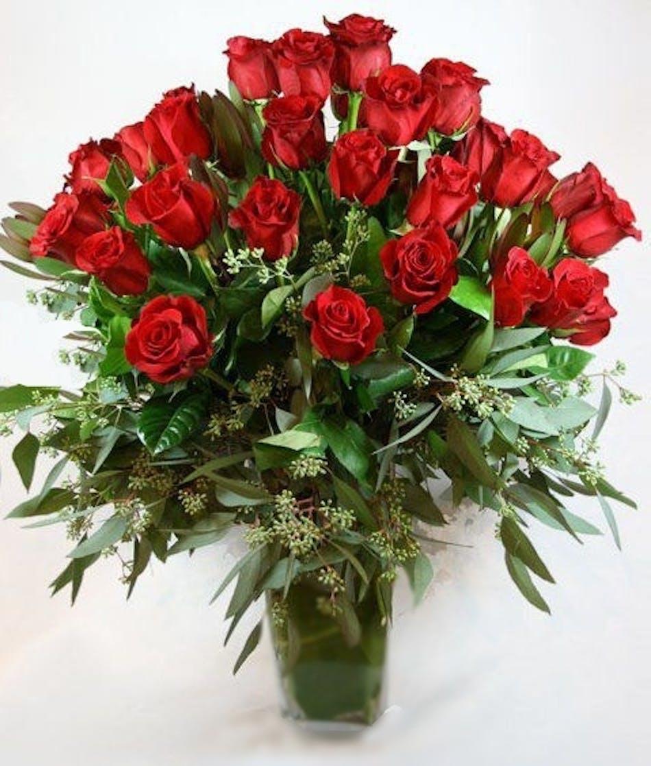 Luxury red roses 30 larger unique carithers florists atlanta izmirmasajfo